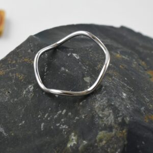 Silver Wavy Curved Circle Squiggle Ring.