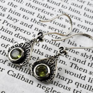 Floral Dangle Peridot Embosed Filigree Earring.