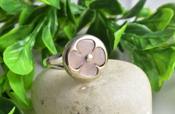 Mother of Pearl,Sovereign Ring.